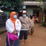Legislator PKS Tangsel Turun Langsung Bantu Korban Banjir
